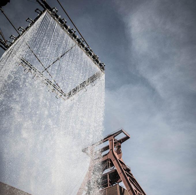 """Zeche Zollverein mit Installation """"Tower"""" von rAndom International"""