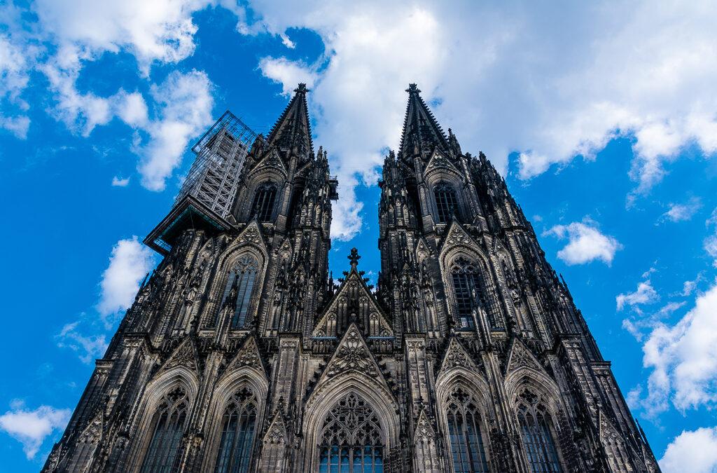 Ostern in Köln, Dom und Hasi ;)