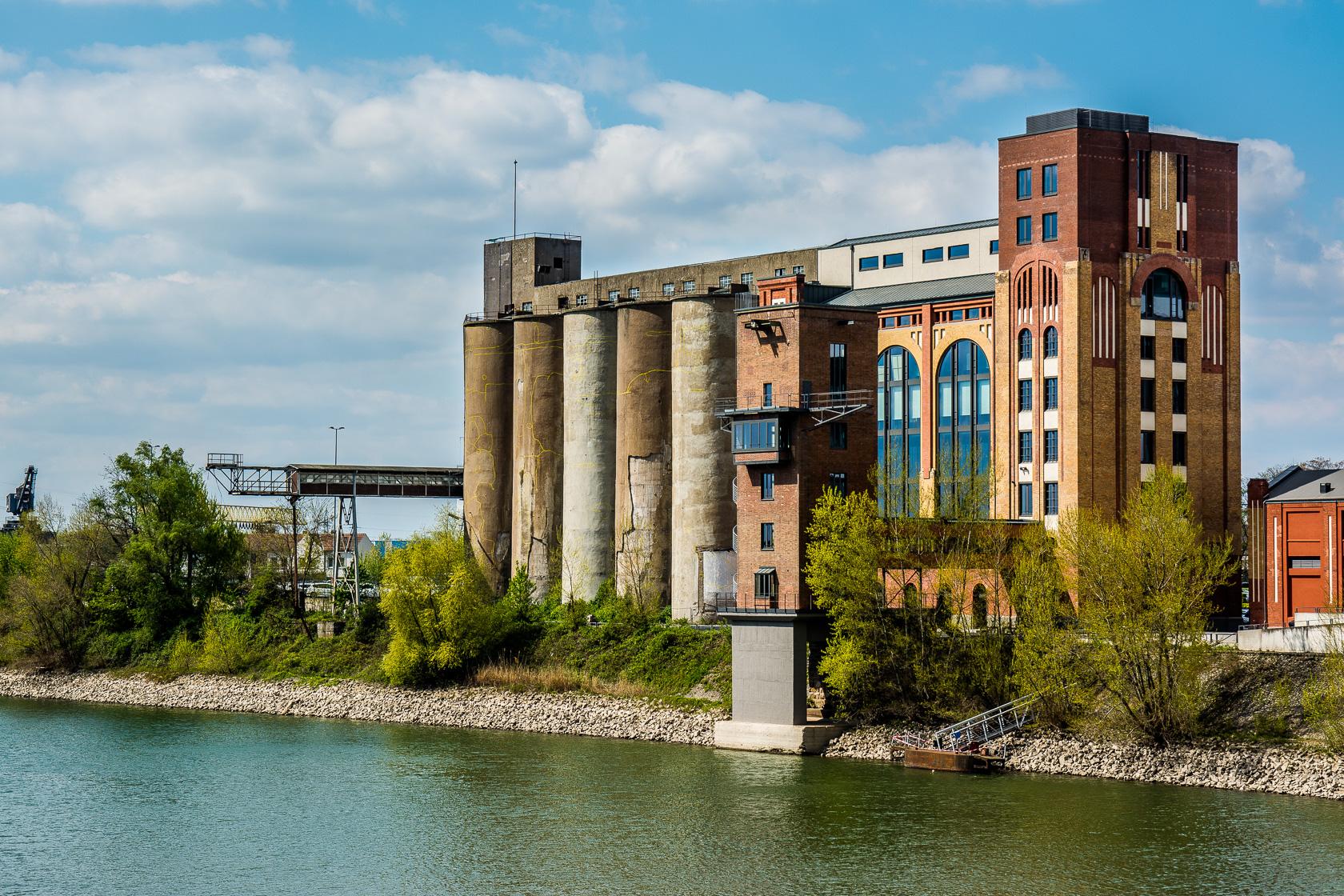 Rund um die Plange Mühle in Düsseldorf