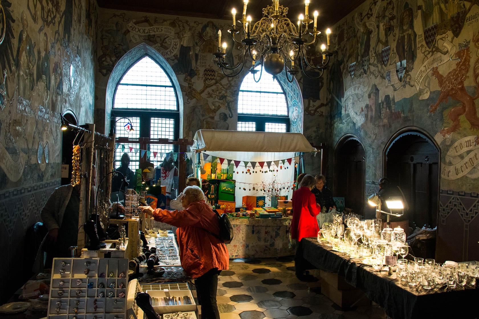 Ostermarkt auf Schloß Burg
